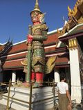 Templo na montanha de Khao Takeab em Tailândia Imagens de Stock