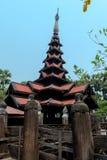 Templo negro viejo en Sagaing Mandalay, Myanmar marzo de 2017 Fotos de archivo