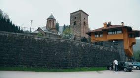 Templo ortodoxo afuera, pared grande metrajes