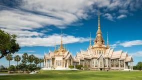 Templo público de Wat Sorapong en el tesoro de Tailandia de la señal del budismo Imágenes de archivo libres de regalías