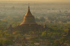 Templo por la mañana Fotos de archivo