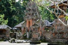 Templo Pura Dalem Agung Padangtegal na floresta do macaco, Ubud, Indonésia imagem de stock