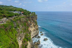 Templo Pura Luhur Uluwatu no penhasco, Bali, Indonésia fotos de stock