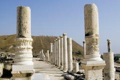 Templo romano arruinado Fotos de archivo libres de regalías