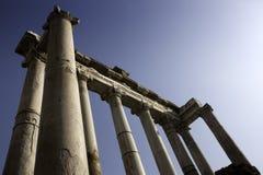 Templo romano de Saturno, foro Romanum Foto de archivo libre de regalías