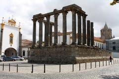 Templo romano en Evora, Portugal Foto de archivo