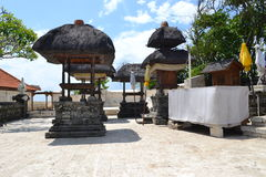 Templo sacro de Uluwatu - isla de Bali, Indonesia Foto de archivo