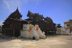 Templo Shwe Yan Pyay Monastery fotografia de stock