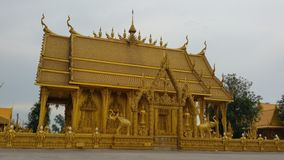 Templo tailandés de oro Fotografía de archivo