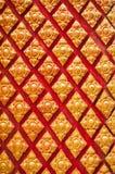 Templo tailandés del arte de la pared tailandesa del estuco Fotos de archivo libres de regalías