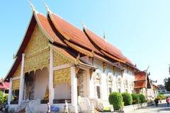 Templo tailandés en el chiangmai, Tailandia fotografía de archivo