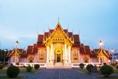 Templo tailandés hermoso Wat Benjamaborphit Foto de archivo