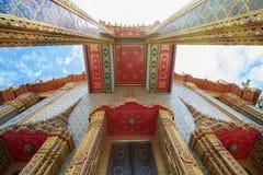 Templo tailandés hermoso Wat Rachabophit Foto de archivo