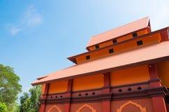 Templo tailandês moderno da construção Fotografia de Stock Royalty Free