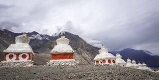 Templo tibetano en la montaña en Ladakh, la India Imagen de archivo libre de regalías