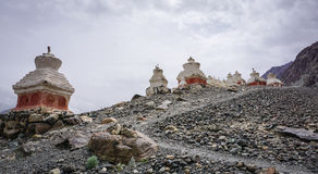 Templo tibetano en la montaña en Ladakh, la India Fotos de archivo libres de regalías