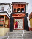 Templo tibetano en la montaña en Ladakh, la India Imágenes de archivo libres de regalías