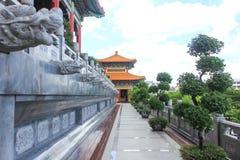 Templo tradicional do estilo chinês em Wat Leng-Noei-Yi em Nonthab imagem de stock royalty free