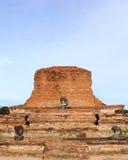 Templo velho arruinado de Ayutthaya foto de stock