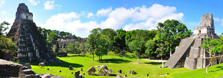 Templos antiguos del maya de Tikal, Guatemala Imagen de archivo libre de regalías