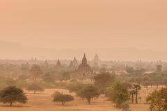 Templos antiguos en Bagan Myanmar foto de archivo