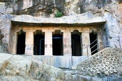 Templos budistas antigos da rocha em Ajanta Fotos de Stock