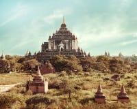 Templos budistas de Thatbyinnyu em Bagan Kingdom, Myanmar (Burma) Fotografia de Stock