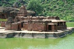 Templos da beira do lago Fotos de Stock Royalty Free