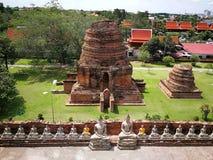Templos de una Tailandia, pagodas y estatuto hermosos de Buda en país histórico viejo del ` s Tailandia foto de archivo