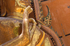 Templos de Wat Tham Seua, tailandeses e chineses Fotos de Stock Royalty Free