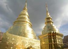 Templos dourados em Chiangmai Fotos de Stock Royalty Free