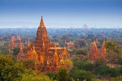 Templos en Bagan Imagenes de archivo