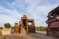 Templos Jain antiguos tallados hermosos construidos en ANUNCIO del siglo VI en Osian, la India Foto de archivo libre de regalías