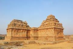 Templos no monte de Hemakuta, Hampi, Índia Imagens de Stock Royalty Free