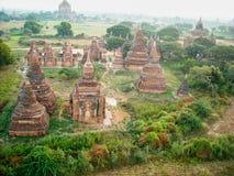 templos viejos en la opinión de Vietnam desde arriba foto de archivo