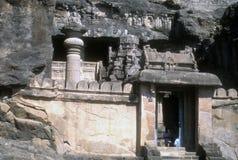 Templos y escultura budistas de la cueva Foto de archivo