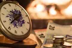 Tempo é dinheiro, o fogo é próximo Foto de Stock Royalty Free
