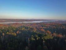 Tempo Chattahoochee River Suwanee Geórgia do outono foto de stock
