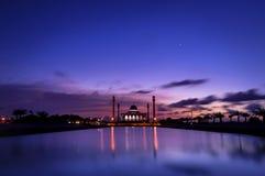 Tempo crepuscular na mesquita central de Songkhla, Tailândia Foto de Stock Royalty Free