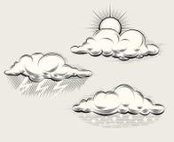 Tempo da gravura Sun atrás da nuvem, chuva e ilustração royalty free
