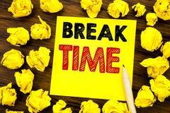Tempo da ruptura da exibição do texto da escrita Conceito do negócio para a pausa da parada da oficina do trabalho escrita no pap foto de stock