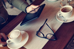 Tempo de descanso no café Imagens de Stock Royalty Free