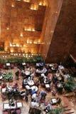 Tempo del pranzo al corridoio di marmo fotografie stock