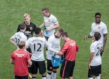 Tempo della rottura durante il gioco di Manchester United Immagine Stock