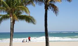 Tempo della spiaggia della famiglia Fotografia Stock Libera da Diritti
