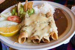 Enchiladas con formaggio ed il pomodoro Fotografia Stock Libera da Diritti