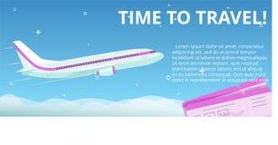 Tempo di viaggiare L'aereo piano di vettore vola nel cielo notturno con le stelle Fotografia Stock Libera da Diritti