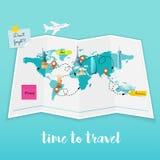 Tempo di viaggiare Piano dell'attrezzatura del turista e della mappa da viaggiare D piana Immagine Stock