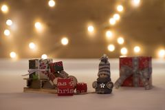 Tempo do Natal com bokeh e transporte Fotografia de Stock Royalty Free