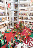 Tempo do Natal em Suria KLCC, o primeiro shopping de Malásia Foto de Stock Royalty Free